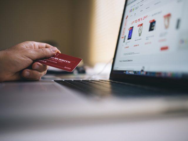como-eset-internet-security-ayuda-comprar-linea-segura